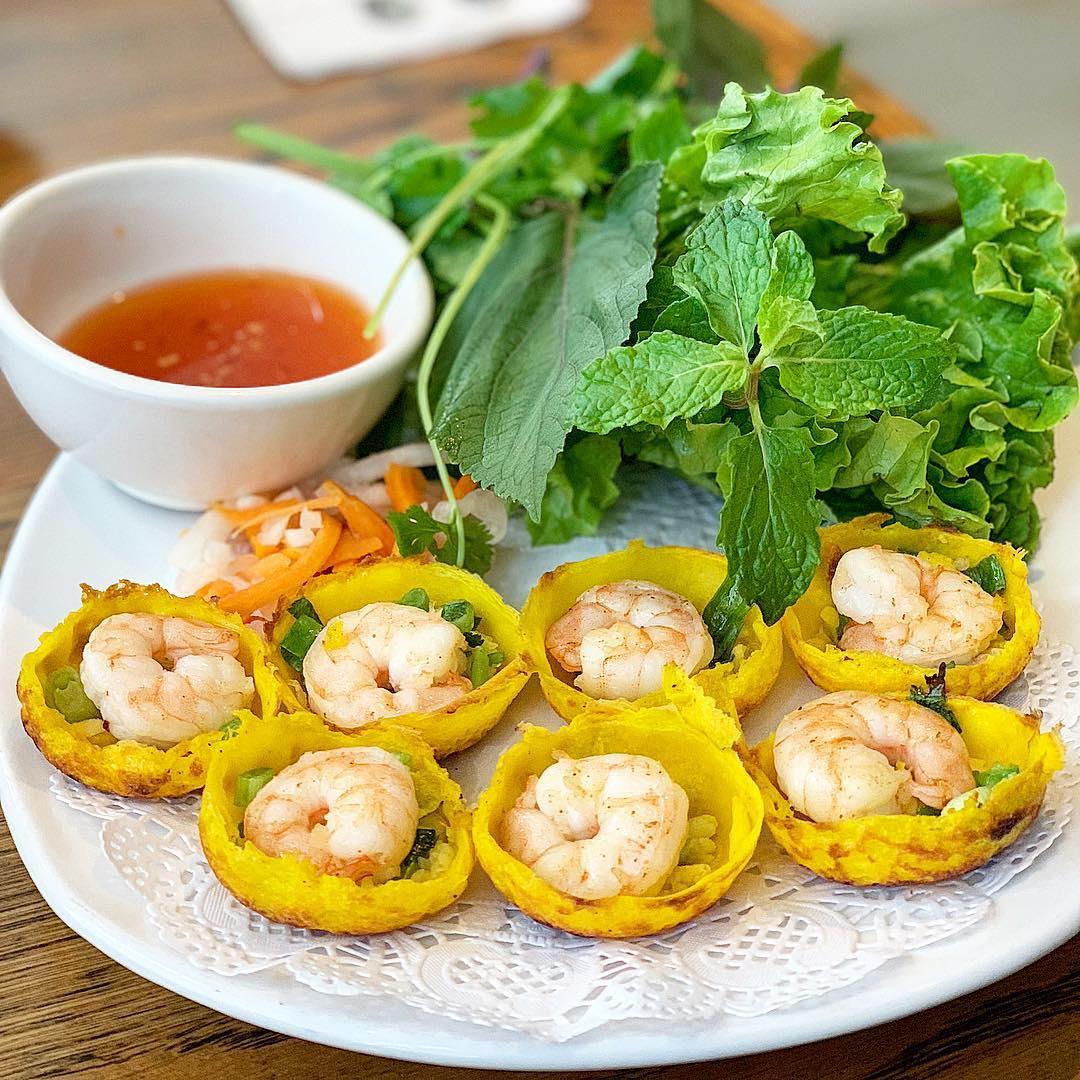 """Bánh căn Nha Trang – Món ngon dân dã """"vạn người mê"""""""